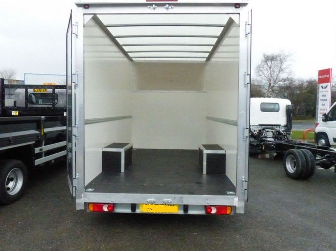 Low Loader Luton Box - Low Loader Luton Box | AK Rental Car
